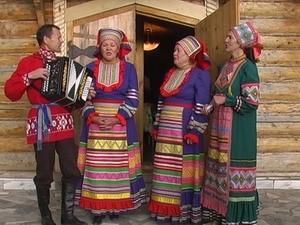 Иностранные туристы в гостях у удмуртского Тол Бабая