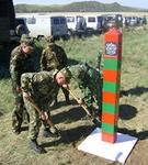 Около можгинской школы установили пограничный столб