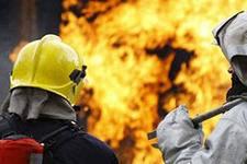 Двух человек удалось спасти из горящего дома в Сарапуле